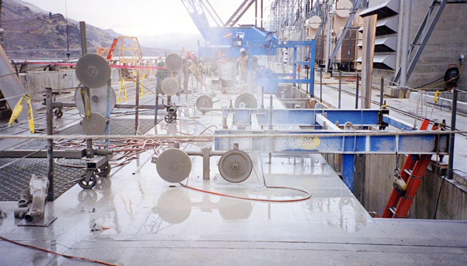 Diamond Wire Saws Cutting Concrete